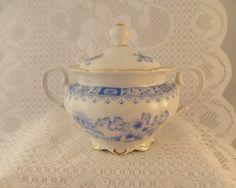 """Original Seltmann Weiden Zuckerdose mit Deckel, Motiv """"China Blau/ Theresia""""- (ca. `50er)  Feinstes weißes Porzellan mit typisch blauem China Blau-Dek"""