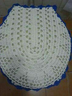 Crochet Granny, Diy Crochet, Crochet Baby, Knitting Patterns, Crochet Patterns, Crochet Skirts, Bathroom Sets, Crochet Flowers, Beauty And The Beast