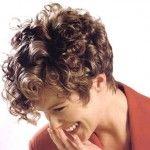 capelli corti ricci12 150x150   Dai forma ai tuoi ricci! 40 foto per scegliere il taglio capelli che fa per te!