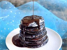 Double Chocolate BROWNIE Batter Pancakes - Eat dessert first! (from Chocolate Covered Katie) Köstliche Desserts, Delicious Desserts, Dessert Recipes, Yummy Food, Healthy Desserts, Pancake Recipes, Dessert Blog, Healthy Recipes, Vegan Sweets