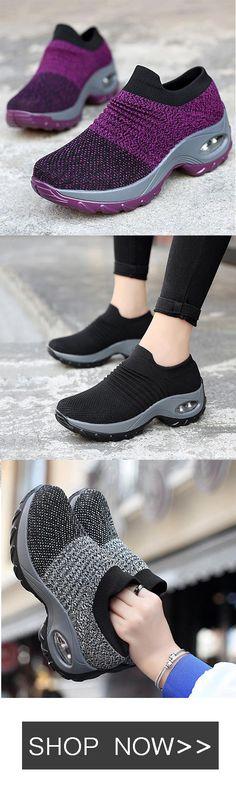 Fashion Watches, Women's Fashion, Fashion Design, Fashion Trends, Low Heel Shoes, Shoes Heels, Sock Shoes, Shoe Boots, Pear Shaped Outfits