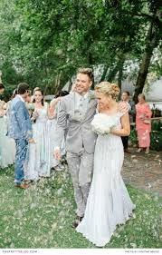 #bride #bridal #crown #flower #headband #beach #wedding #bohemian #boho #vintage #dress #field