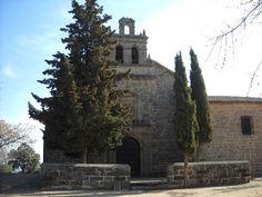 Baños de la Encina Iglesias, Viera, Mansions, House Styles, Building, Travel, Decor, Cathedrals, Mansion Houses