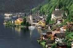 Hallstatt ( Austria)  Pequeño pueblo declarado Patrimonio de la Humanidad en 1997.