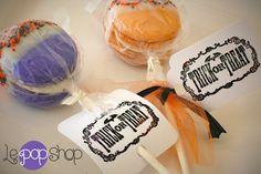 Halloween Macaron Pops original design by Le Pop Shop- backberry macaron pops, pumpkin macaron pops halloween meringues Le Pop, Macaron Cake, Macaroons, Meringue, Cake Pops, Pumpkin, Halloween, Unique Jewelry, Handmade Gifts