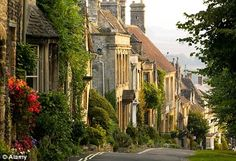 Burford, Cotswold hills, west Oxfordshire, England