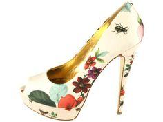 I'm in love with a shoe! But there's no way I can walk on 16 cm heels :(  Ted Baker: Carlina