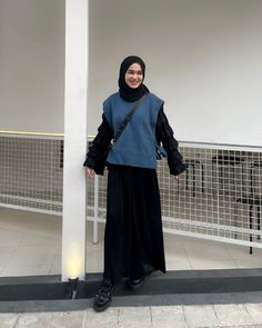 Casual Hijab Outfit, Ootd Hijab, Hijab Chic, Modern Hijab Fashion, Hijab Fashion Inspiration, Modest Outfits Muslim, Skirt Ootd, Simple Outfits, Fashion Outfits