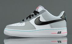 Nike AF1 with cool gray lining.