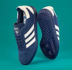 No Three Stripes fan will be upset to see the Intack SPZL receive a double drop in the SPEZIAL line-up. A refined remake of the adidas… Adidas Spezial, Basket Tennis, Sneakers Fashion, Shoes Sneakers, Inspiration Mode, Sports Shoes, New Shoes, Adidas Shoes, Me Too Shoes