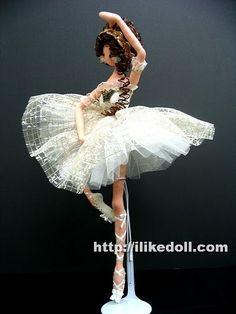 и СНОВА ТРЯПИЕНСЫ. Обсуждение на LiveInternet - Российский Сервис Онлайн-Дневников Doll Sewing Patterns, Sewing Dolls, Doll Clothes Patterns, Clothing Patterns, Tiny Dolls, Soft Dolls, Cute Dolls, Ballet Fashion, Fashion Dolls