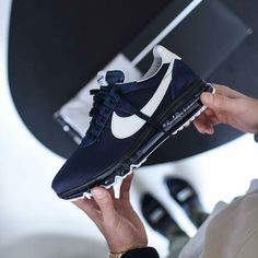 8328f17fcc2 Air Max LD Zero par le designer Hiroshi Fujiwara.  HTM  AirMaxDay  Nike