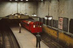 Glasgow Subway, Third Rail, Paisley Scotland, Glasgow Scotland, Car Lights, Locomotive, Old Photos, Cool Pictures, Transportation