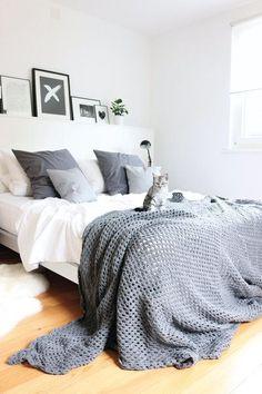 schlafzimmer gestalten metallbett bettbank gepolstert, Schlafzimmer design