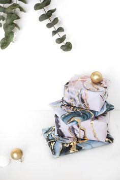 diy gold and marble christmas gift wrap