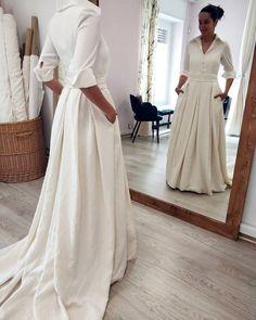 House of Ollichon loves. Bridal Skirts, Wedding Skirt, Alternative Wedding Dresses, Bridal Separates, Wedding Day, Formal Dresses, Instagram, Beautiful, House