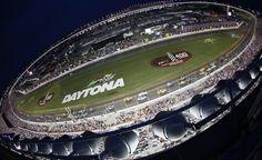 La NASCAR fa tappa a Daytona e la corsa per le Wild Card si infiamma