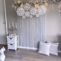 DIY Dream Catchers Decor Your bedroom; Home decor boho style; how to make a dream catchers; DIY wall decor ideas You will love these gorgeous Doily Dream Catchers and we have a DIY you'll love to try. Check out all the versions now, you'll love them! Diy Room Decor, Bedroom Decor, Wall Decor Bedroom, Tv Wall Decor, Wall Collage Decor, Dream Catcher Decor, Home Decor, Boho Bedroom Decor, Boho Decor