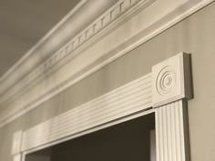 Elaborate crown molding Love this dentil crown molding and door frame detailing! Door Frame Molding, Diy Crown Molding, Chair Rail Molding, Door Frames, Dental Molding, Picture Frame Wainscoting, Cornice Design, Trim Work, Moldings And Trim