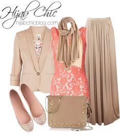 Hijab Fashion: Valentino Bag