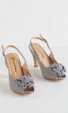 Stripes retro heels