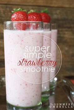 Simple Strawberry Smoothie You'll Crave Every Day! Enjoy a healthy and yummy snack with this super easy strawberry smoothie recipe!Enjoy a healthy and yummy snack with this super easy strawberry smoothie recipe! Smoothie King, Smoothie Bowl, Juice Smoothie, Smoothie Drinks, Apple Smoothies, Easy Smoothies, Strawberry Smoothies, Protein Smoothies, Smoothies With Strawberries