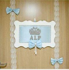 Mavi bebek kapı süsü