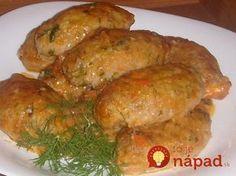 Milujem jedlá z kapusty a predovšetkým tradičné holúbky, avšak ich príprava je pomerne náročná a zdĺhavá. Preto som sa rozhodla vyskúšať zjednodušenú verziu, ktorú pripravíte raz-dva a chutí rovnako vynikajúco ako originál. :-) Potrebujeme: 250 g mletého bravčového alebo kuracieho mäsa 250 g kapusty nasekanej najemno ½ šálky varenej ryže 1 cibuľu 1 mrkvu 3...