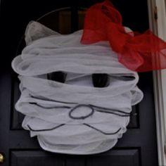 Poor kitty. Looks so sad!!