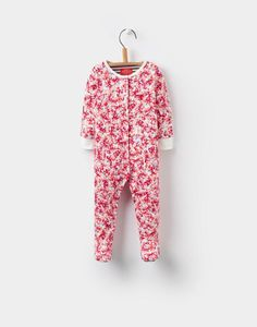 Crawl through our great range of baby gifts at Joules and find a present you know parents will love. Joules Girls, Joules Uk, Newborn Outfits, Baby Boy Outfits, Girls Sleepwear, Baby Grows, Baby Boy Newborn, Cute Babies, Ditsy
