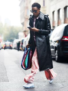 50 Street Style Looks From London Fashion Week to Inspire Your Wardrobe via @WhoWhatWearUK