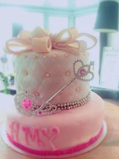 Prinses cake www.taartenfeesies.nl