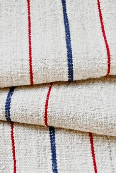 New Ideas For Farmhouse Linen Closet Grain Sack Textiles, Textile Patterns, Chair Fabric, Linen Fabric, Diy Quilting Projects, French Fabric, Grain Sack, Patriotic Decorations, Vintage Market