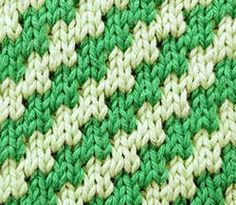 Free Mosaic Pattern For Beginners. The Zig Zag Diagonal (Slip stitch Pattern is easy to work as you only knit with one color at a time so it works up quickly. Knitted in a multiple of + Slip Stitch Knitting, Knitting Stiches, Arm Knitting, Knitting Charts, Knitting Tutorials, Knit Stitches, Free Mosaic Patterns, Stitch Patterns, Fair Isle Knitting Patterns