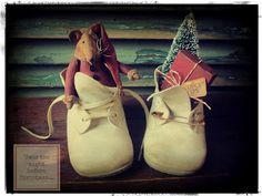 Primitive Santa Mouse in vintage baby shoes ... by Homespun Hugs and Calico Kisses Primitives