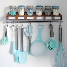 Utensils Tips for an Organized Kitchen Inside Design: Kissed with Copper 65 Ingenious Kitchen Organization Tips And Storage Ideas 25 Copper DIYs and Decor for Baking Supplies, Kitchen Supplies, Baking Tools, Baking Set, Craft Supplies, Kitchen Utensils, Kitchen Gadgets, Baking Utensils, Kitchen Tips