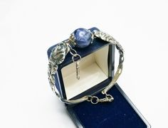 Antikes Rosen Armband mit blauer Perle  AB256 von Atelier Regina  auf DaWanda.com