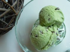 Papilles On/Off: Glace menthe fraîche-chocolat au thermomix Make Ice Cream, Vegan Ice Cream, Homemade Ice Cream, Frozen Desserts, Sweet Desserts, Mantecaditos, Thermomix Desserts, Ice Cream Recipes, Cooking Time