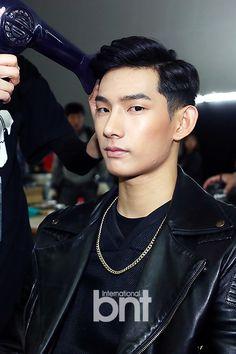 Park Hyeong Seop backstage @ Seoul Fashion Week for Beyond Closet - 141017