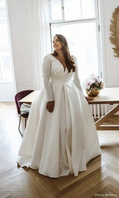 Flattering Wedding Dress, Plus Size Wedding Dresses With Sleeves, Plus Size Wedding Gowns, Modest Wedding Dresses, Bridal Dresses, Gown Wedding, Wedding Bride, Plus Size Gowns, Wedding Dress Sleeves