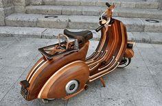 Concept : Un Vespa en bois