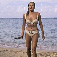 James Bond Women, Honey Ryder, Ursula Andress, Orange Bikini, Bond Girls, Classic Movie Stars, Movie Costumes, American Actress, Bikinis