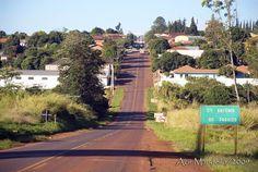 Santo Antônio do Paraíso, Paraná, Brasil - pop 2.359 (2014)