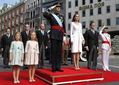 SS.MM. Los Reyes Felipe VI y Letizia de España SS.AA.RR. La Princesa de Asturias y la Infanta Sofia a su llegada a el Parlamento recibidos por Mariano Rajoy.