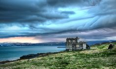 Wonder how much this little #fixer-upper costs? It was for sale the day I took this shot; wouldn't the view be worth it? from #treyratcliff at www.StuckInCustom... - all images Creative Commons Noncommercial