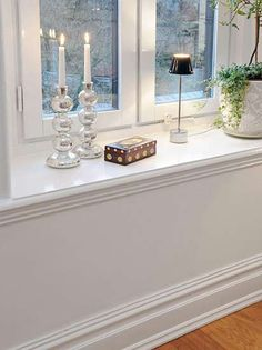 The decorative details: windowsill decorations can be said that the bridge connecting the outdoor scenery, a touch of white against the background of every piece of furniture products is particularly delicate.