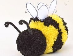 Pom poms are so fluffy and colorful! Here are 20 Pretty Pom Pom Crafts for Kids to make and have fun playing with afterward! Bee Crafts For Kids, Bug Crafts, Preschool Crafts, Yarn Crafts, Art For Kids, Arts And Crafts, Pom Pom Animals, How To Make A Pom Pom, Bee Party