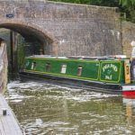 Vacations are great and it s a time you want to ave some private time with your family. Therefore, staying in a hotel might not be the best option but you can cnsider staying in a narrow boat. Narrow Boat, Alternative, Vacation, Travel, Vacations, Viajes, Destinations, Holidays Music, Traveling