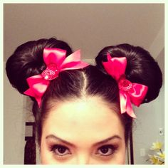 Minnie Mouse hair tutorial. Disneybound in January!