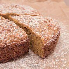 Gesunder Kürbiskuchen mit wenig Kohlenhydrate und leichter Zubereitung. Wie immer ist das Rezept figurschonend und schnell zubereitet. Mit dabei sind unter anderem gesunde Zutaten wie Flohsamenschalen, gemahlene Mandeln, Kokosblütenzucker und ein wenig Olivenöl. Außerdem ist das Rezept glutenfrei und nicht all zu süß. Wer möchte kann den Kuchen ohne Geschmacksverlust sogar 3 bis 4 Tage im Kühlschrank aufbewahren.